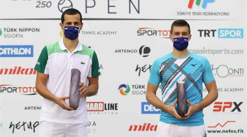 Nikola Mektic (esquerda) e Mate Pavic (divulgação ATP Tour)