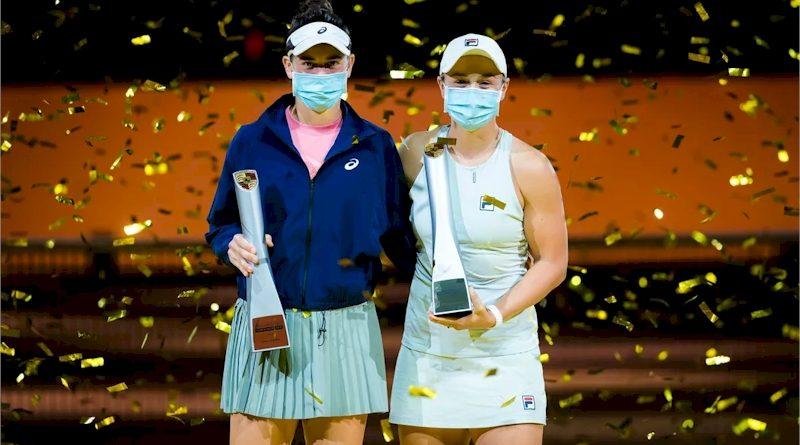 Jennifer Brady (esq) e Asleigh Barty (divulgação WTA Tennis)