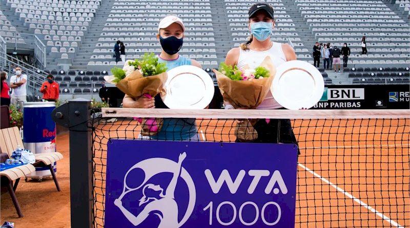 Giuliana Olmos (esquerda) e Sharon Fichman (divulgação WTA Tennis)